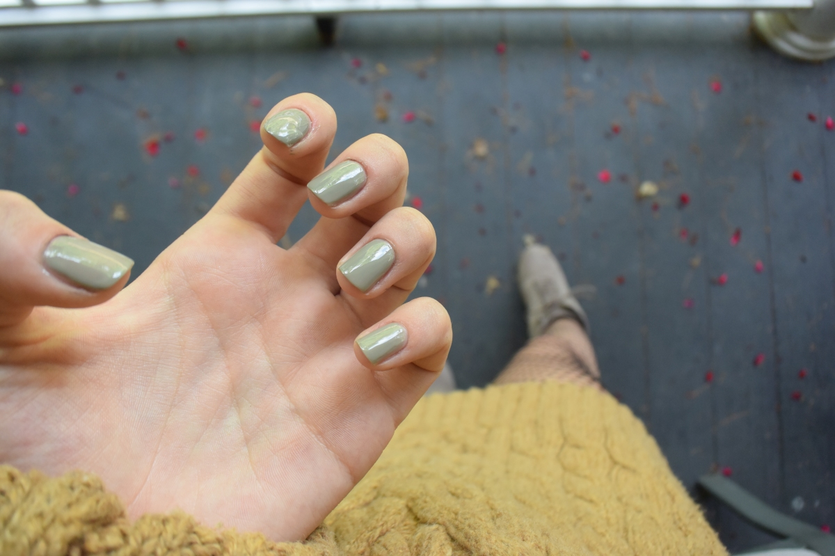 5 Nail Colors to Complete Your Fall Look